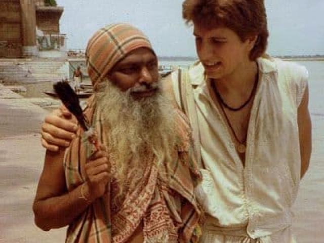 Inspiring worldwide travel photos holy man river ganges varanasi india