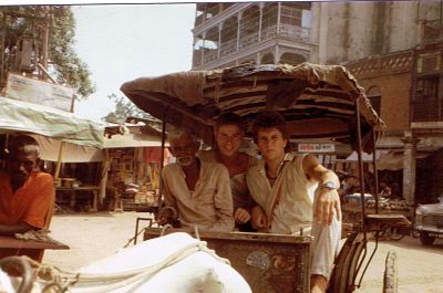 inspiring worldwide travel photos cow rickshaw in india I jerry bridge
