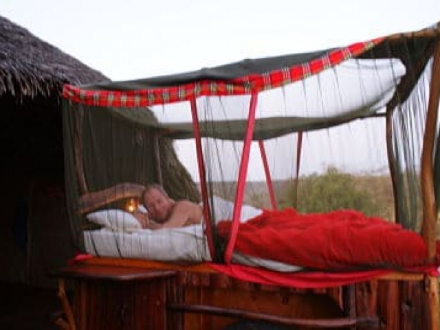 kenya travel photos I star beds maasai mara Africa I jerry bridge